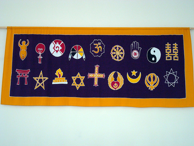 Interfaith banner by Sean on Flickr [CC-BY-SA]