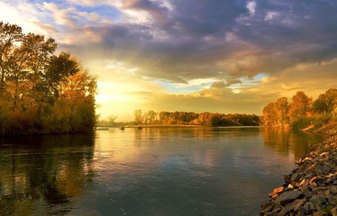 Golden Autumn Landscape. Larisa K. [CC0, Public Domain]